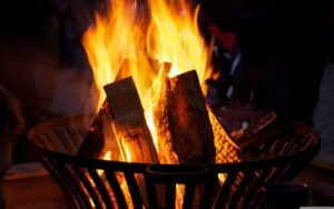 fire_in_the_dark-wallpaper-3840x2400