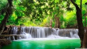 green_tropical_waterfall-wallpaper-2880x1620