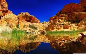 spectacular_lake_reflection-wallpaper-2560x1600